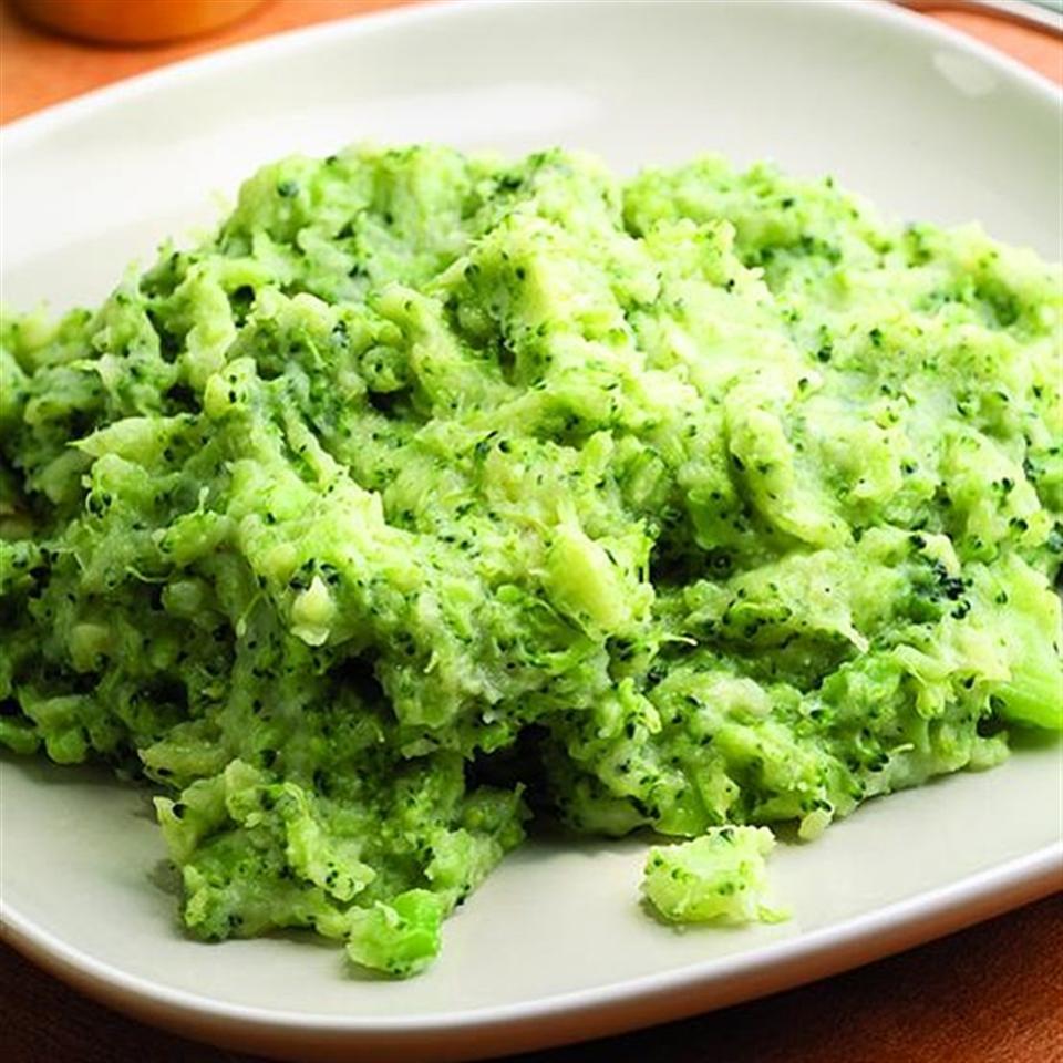 puree brokoli kentang kaldu ikan