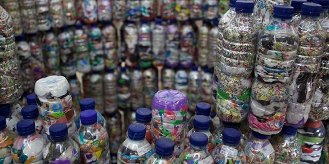 botol plastik eco bricks