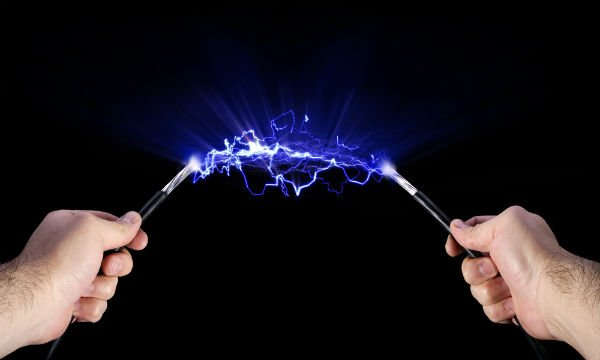 mengatasi kesetrum listrik