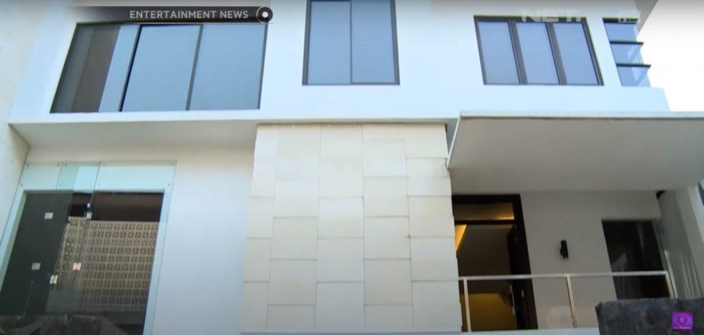 fasad rumah barli asmara