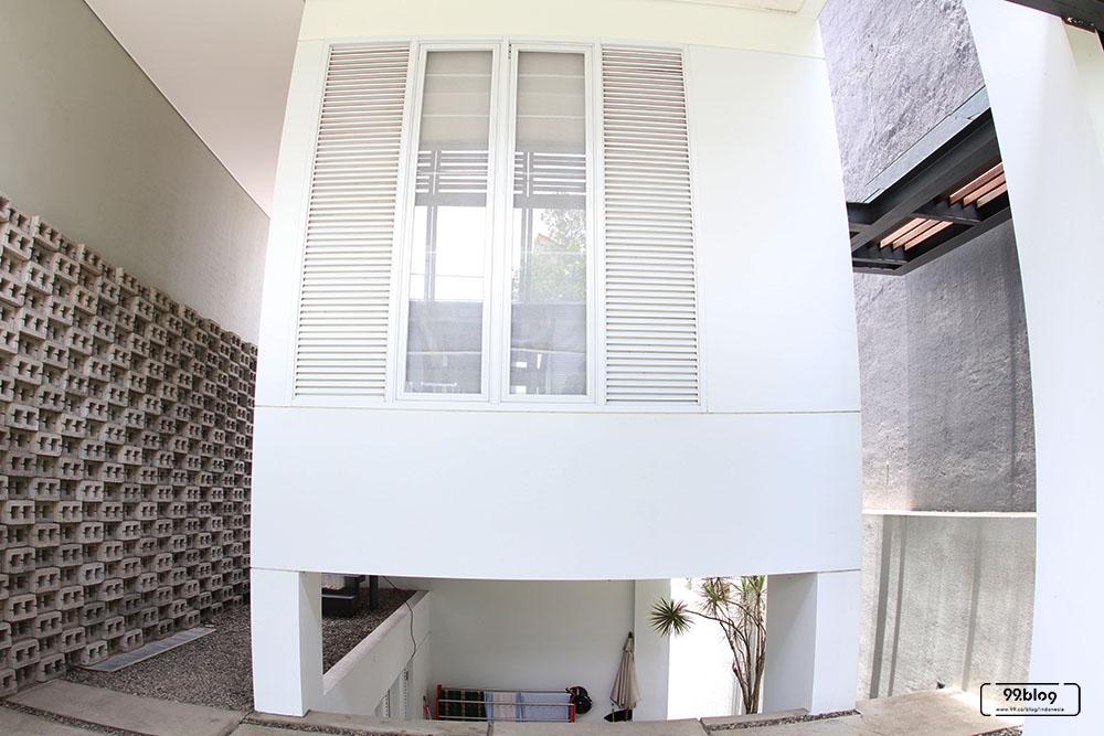 desain jendela rumah tropis minimalis