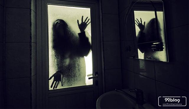5 Foto Penampakan di Dalam Rumah. Jangan Lihat Kalau Penakut!