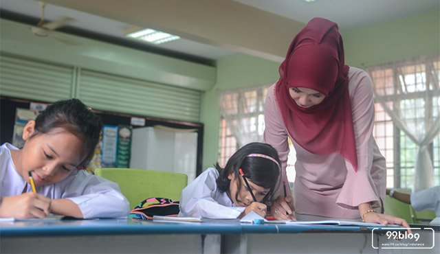 gaji guru indonesia