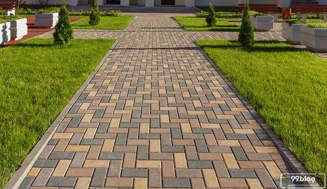 gambar pemasangan paving block