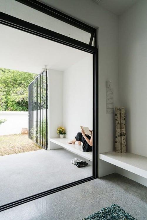gambar teras rumah hitam putih