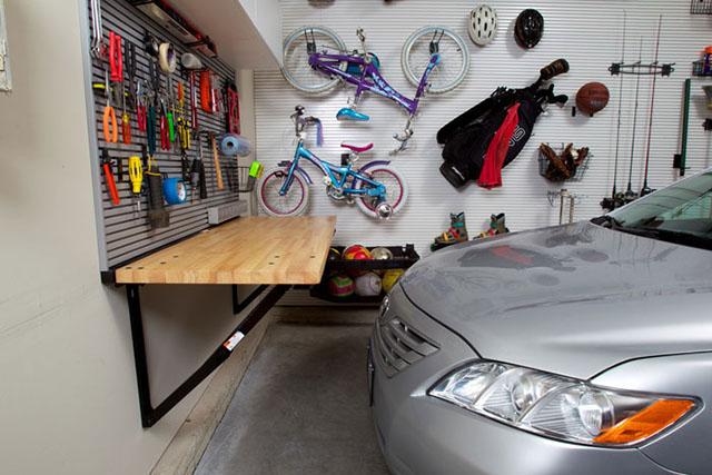 garasi rumah tak terpakai