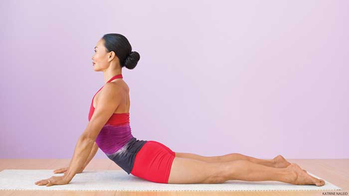 5 Gerakan Yoga Untuk Mengecilkan Perut Bisa Dilakukan Di Rumah