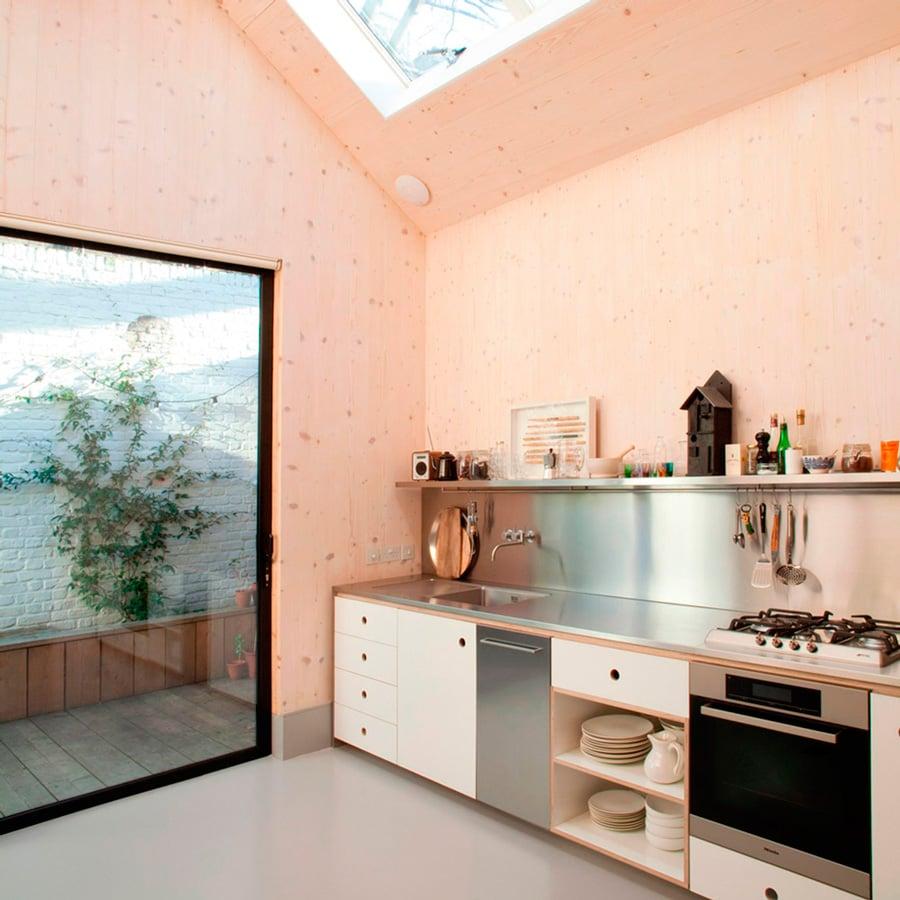 gambar dapur dengan langit-langit tinggi