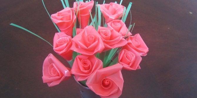 bunga mawar plastik