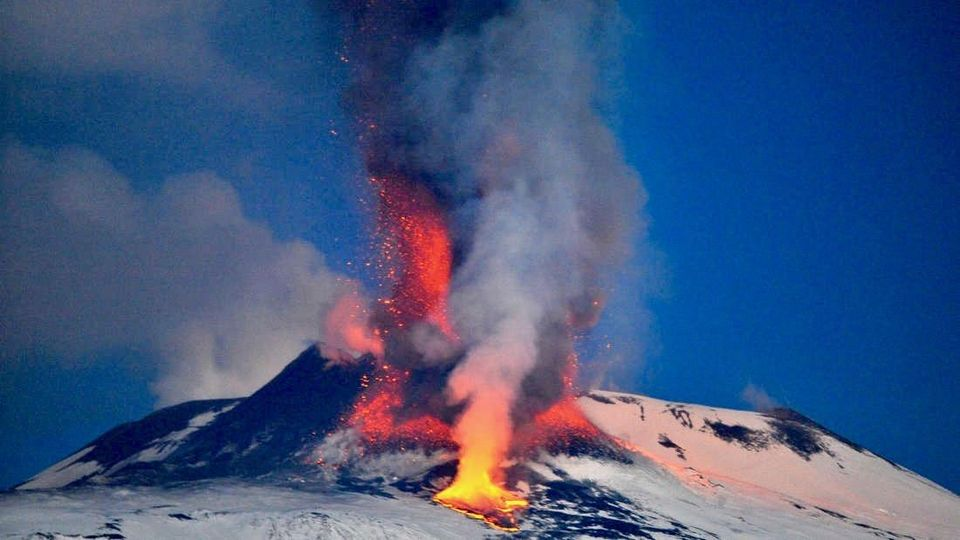 bencana gunung meletus