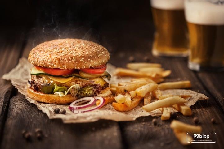 foto burger dan kentang