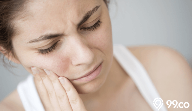 20 Cara Mengatasi Gigi Berlubang Secara Alami Tanpa Ngilu