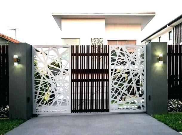 desain abstrak pada gerbang rumah