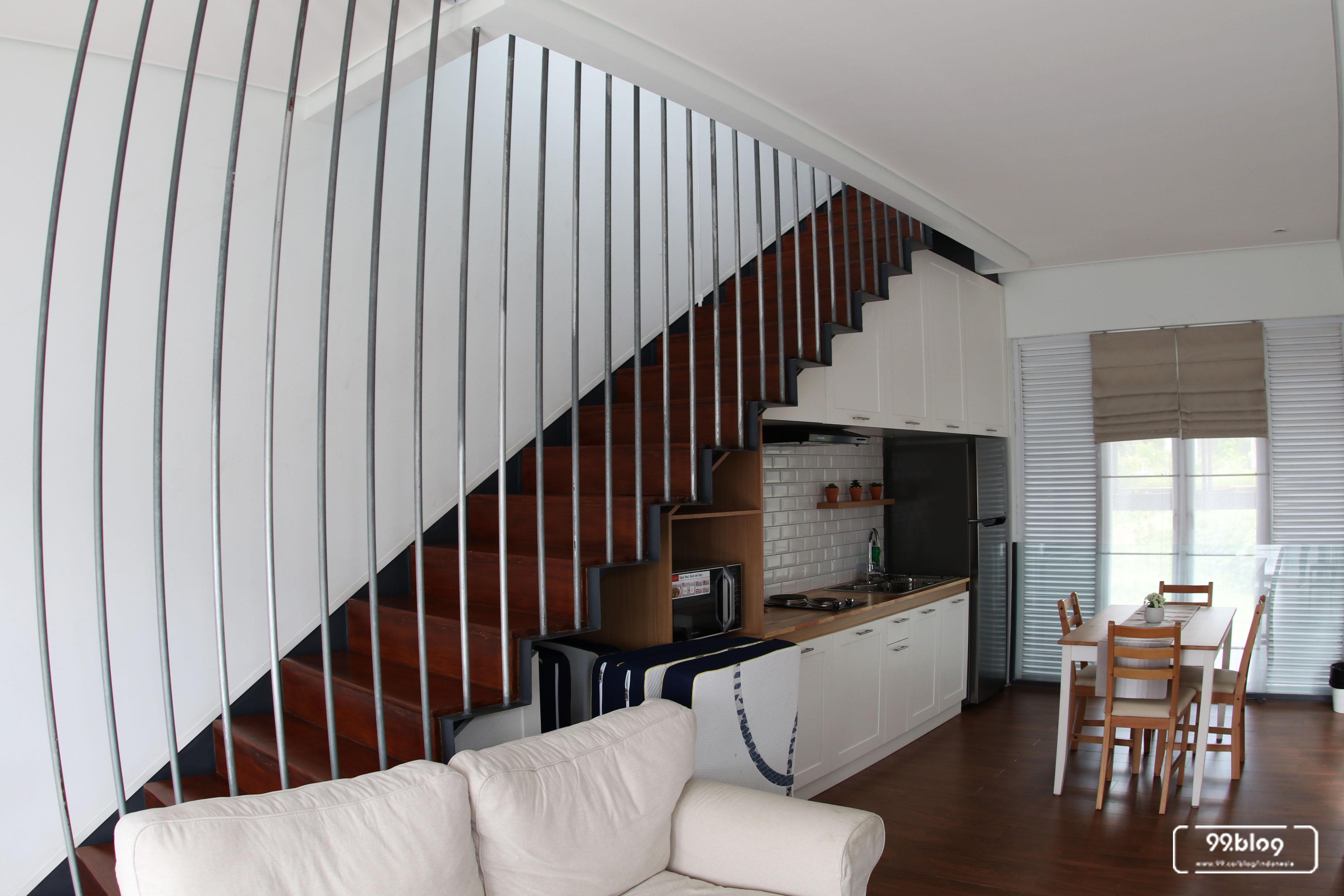 tangga dan ruang dapur wch