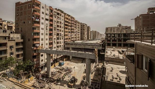 Miris Banget! Ada Jalan Tol di Tengah Pemukiman Kota Mesir