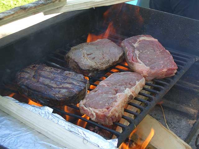 6 Jenis Alat Panggang BBQ. Kamu Pilih yang Mana?