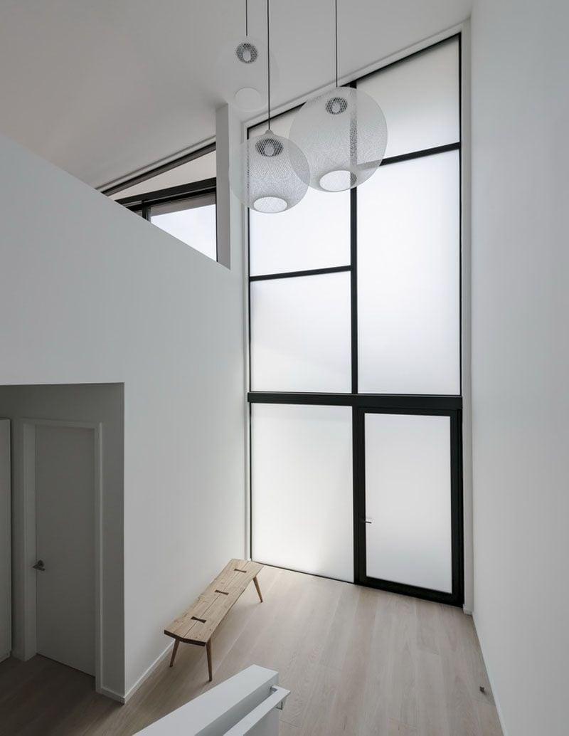 Kaca Jendela Rumah Minimalis: Solusi Hunian Tampak Modern