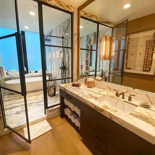 kamar mandi mewah