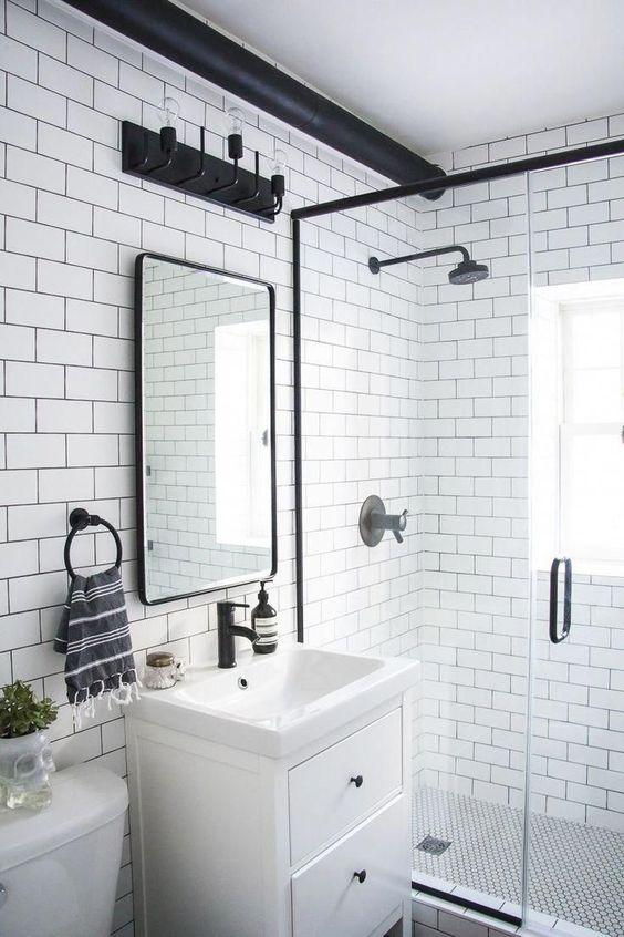 shower room dominasi putih, hitam, monokrom