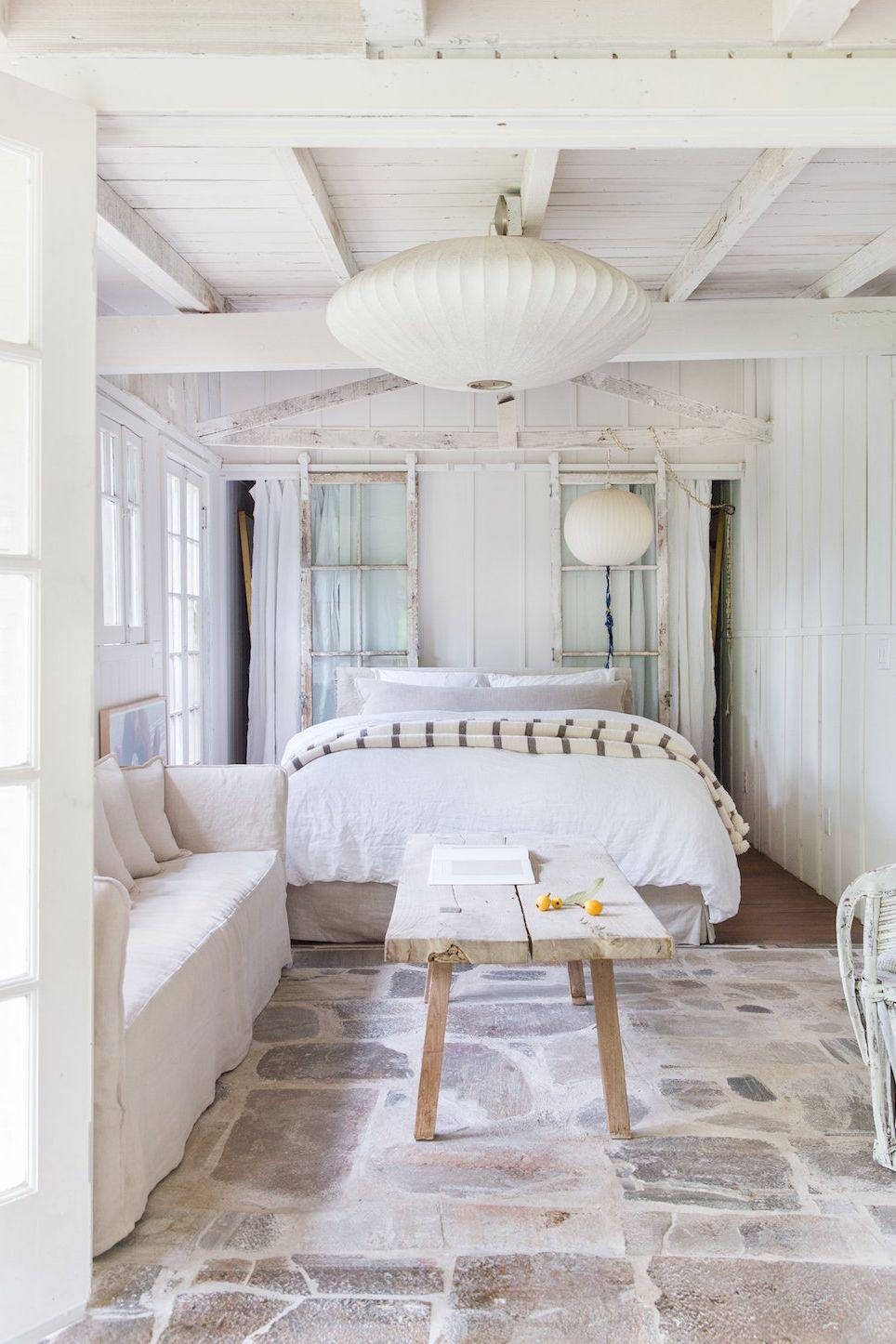 kamar shabby chic warna putih