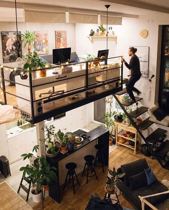 kantor lantai mezanin