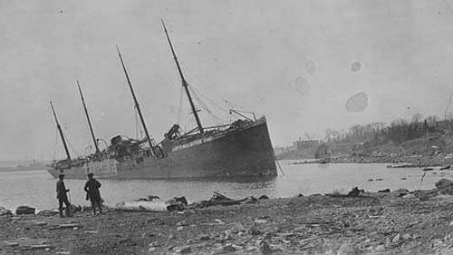 kapal di pelabuhan halifax