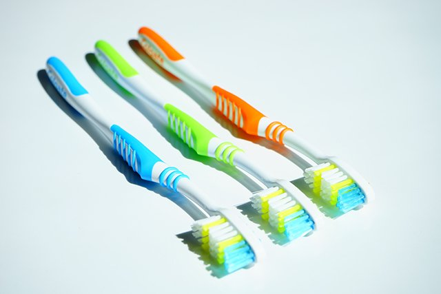 kapan sikat gigi harus diganti