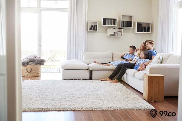 tambah karpet di ruang tamu
