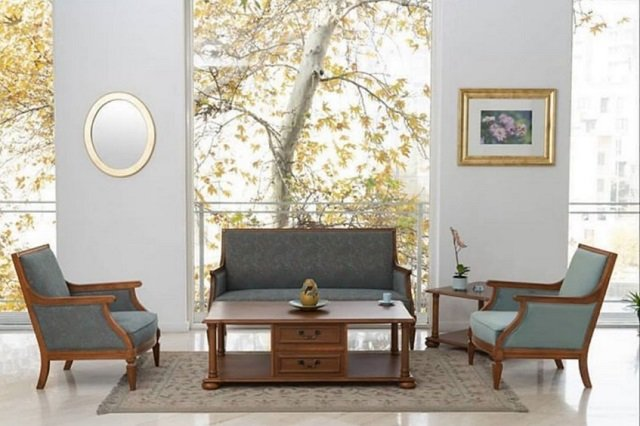 kursi kayu klasik