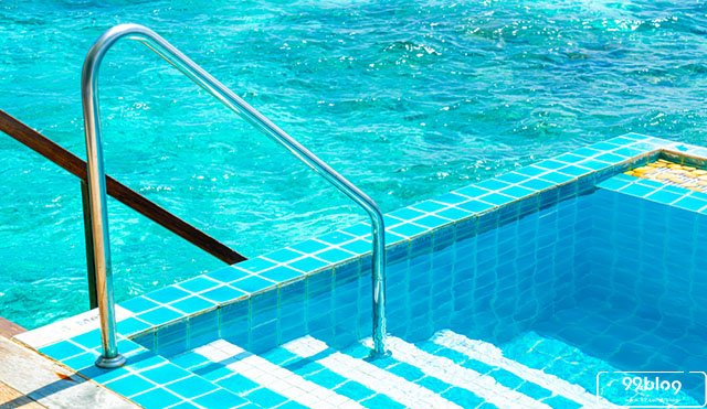 kolam renang lantai 2