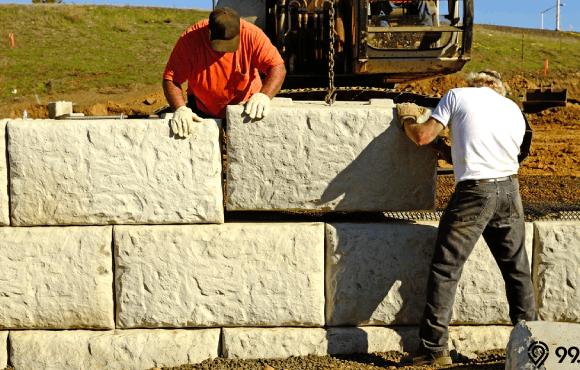 konstruksi dinding penahan tanah