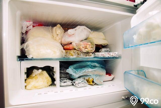 perawatan freezer penuh
