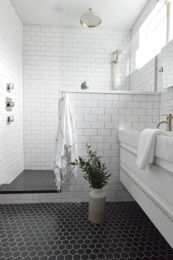 lantai keramik kamar mandi hexagonal