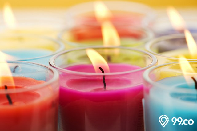 lilin hias dari krayon warna warni