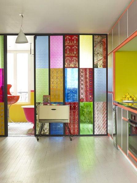 pembatas ruang tamu berwarna