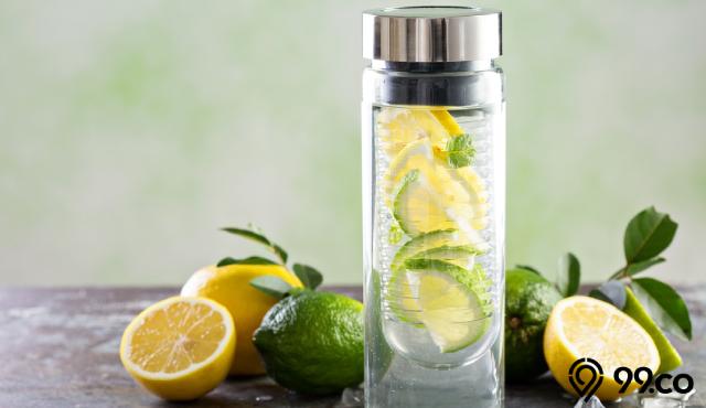 12 Manfaat Infused Water Lemon untuk Kesehatan & Kecantikan | Cegah Kanker hingga Bikin Kulit Glowing!