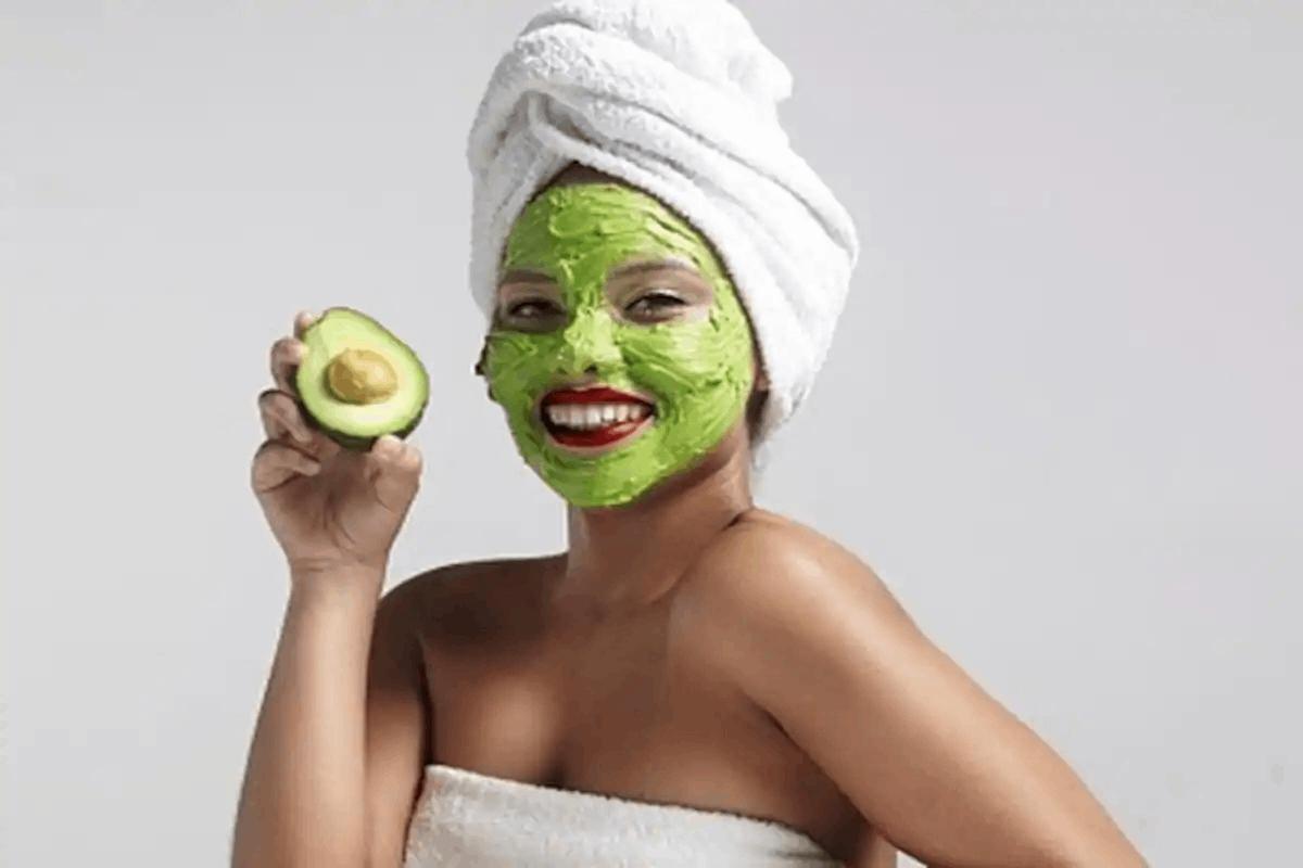 masker alpukat untuk wajah