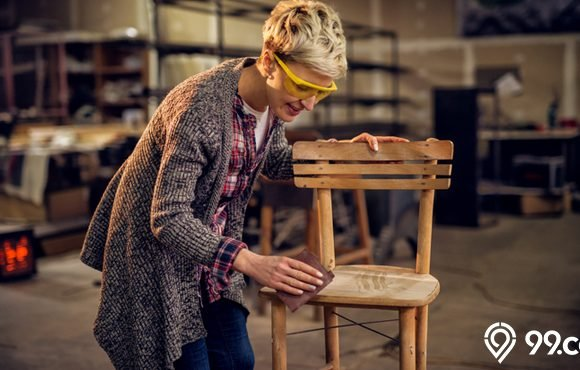 membuat kursi dari kayu bekas
