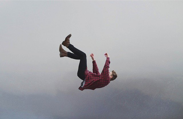 mimpi jatuh dari ketinggian
