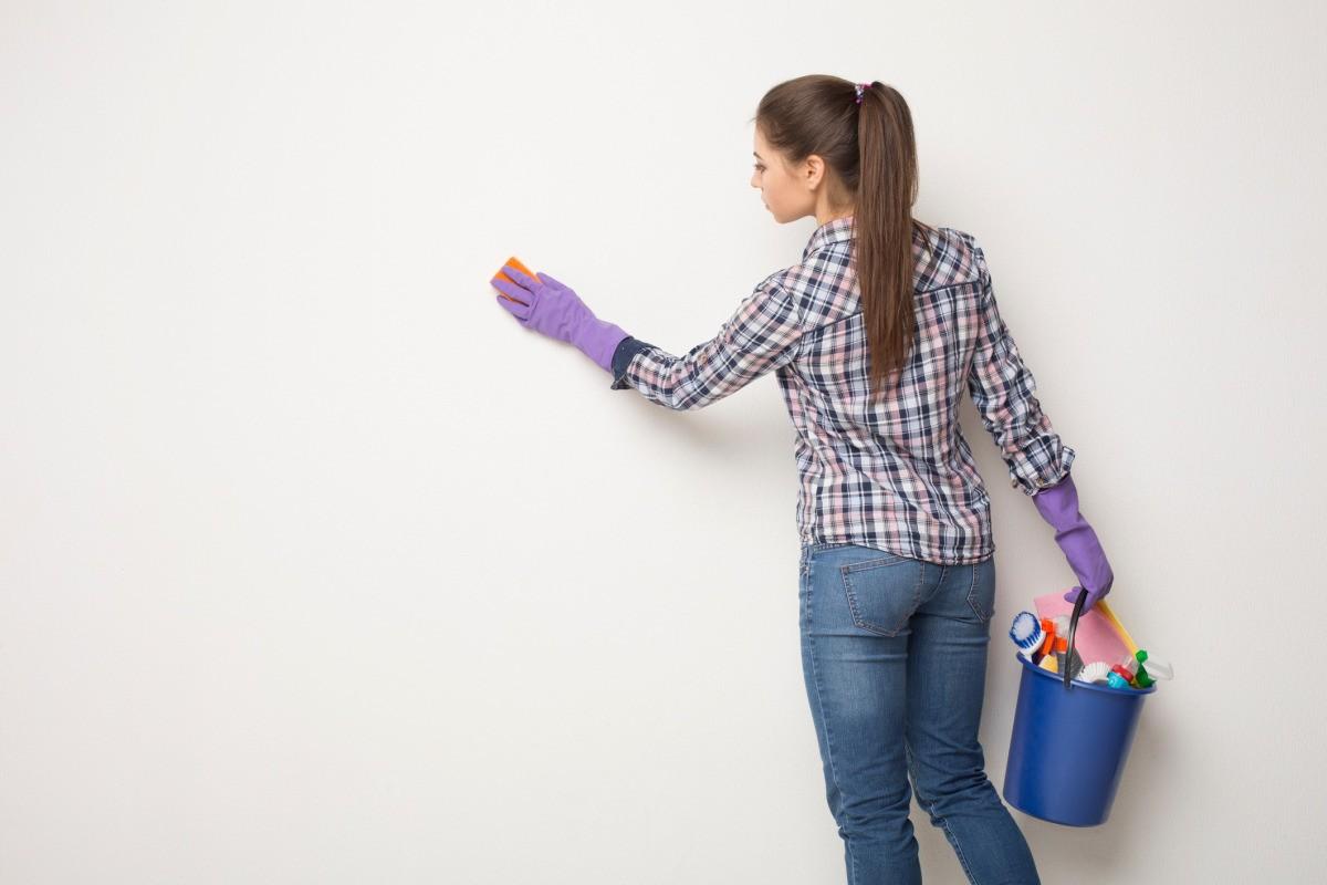 mencuci dinding