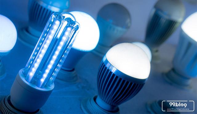 7 Rekomendasi Merk Lampu LED 2019. Watt Kecil, Awet Sampai 10 Tahun!