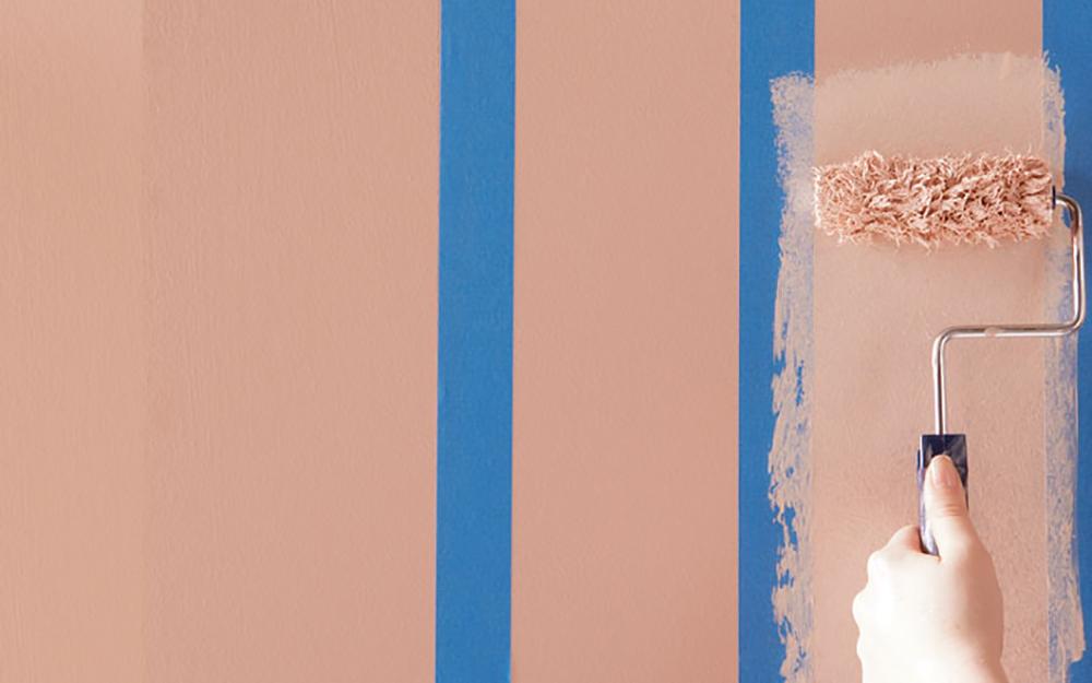 motif dinding kamar bergaris