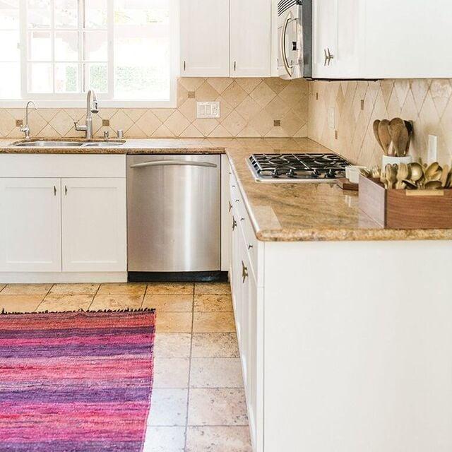 motif keramik lantai dapur beige krem cream