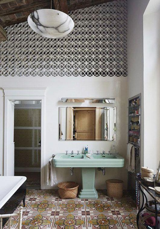 motif lantai kamar mandi