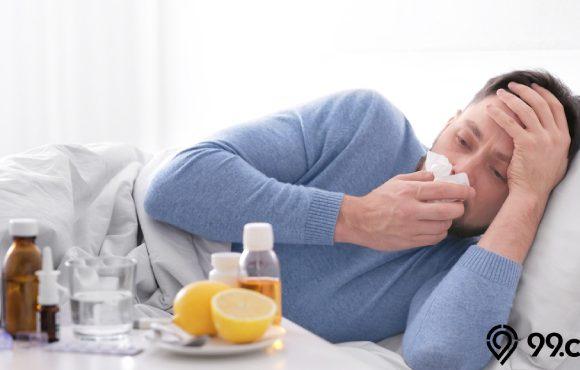wanita sakit flu