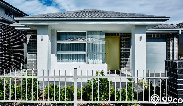 pagar rumah kecil