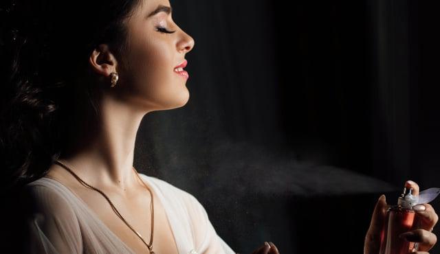 cara memakai parfum header