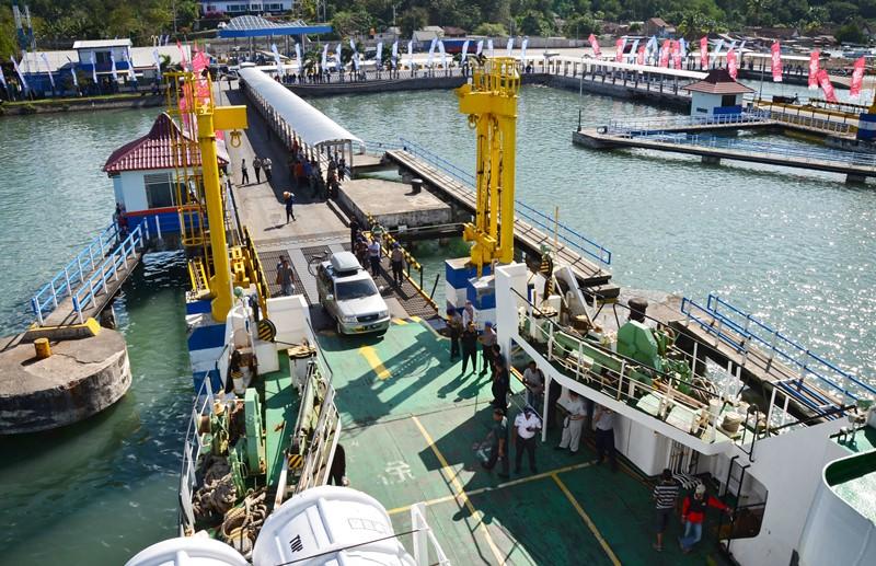 pelabuhan di indonesia