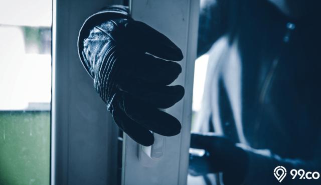 8 Cara Mengamankan Barang dan Harta Simpanan dari Pencuri Rumah