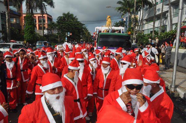 tradisi natal terunik